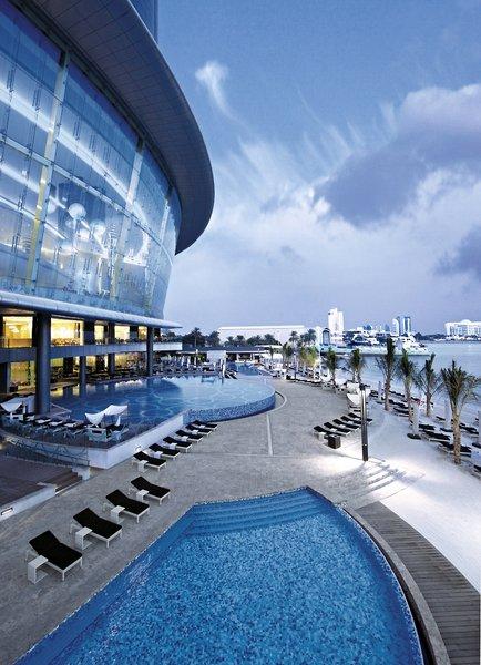 Jumeirah at Etihad TowersPool