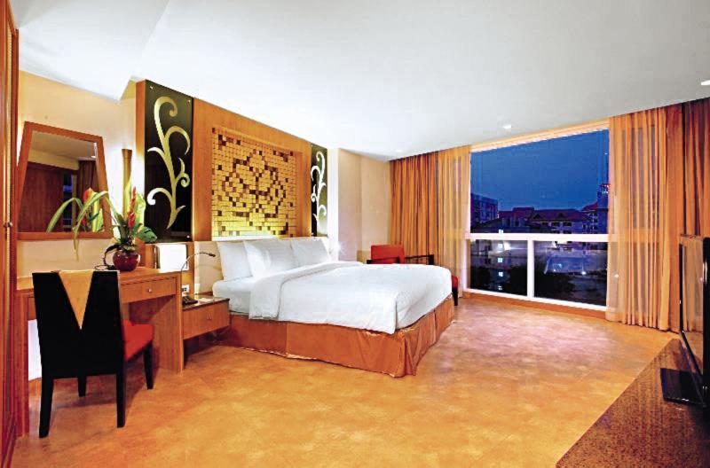 Centara Nova Hotel & Spa PattayaWohnbeispiel