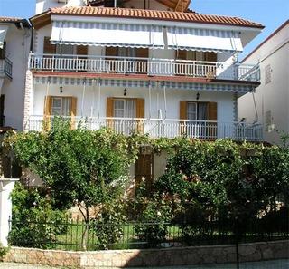 Akis Haus
