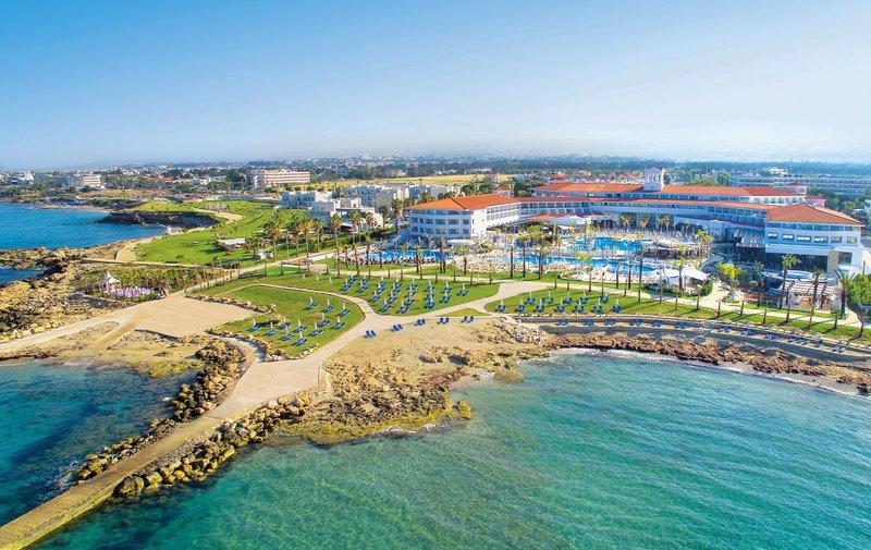 Paphos ab 590 € 3