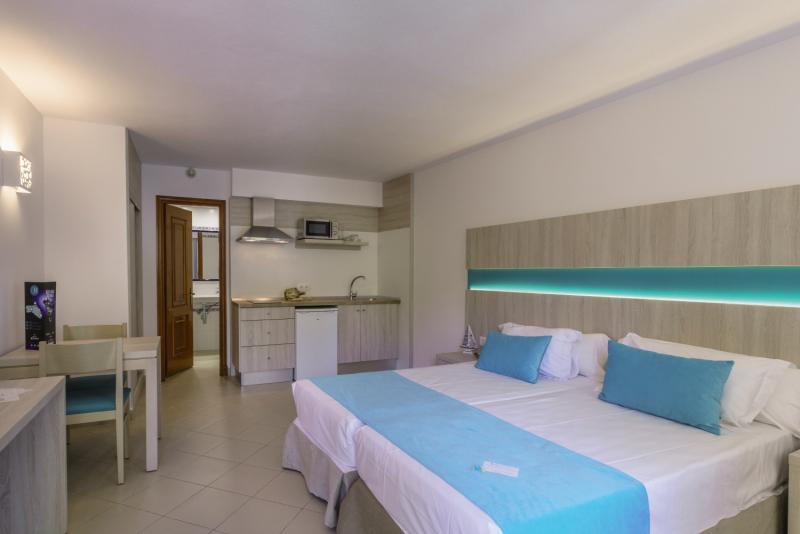 Floramar Aparthotel in Cala Galdana, Menorca