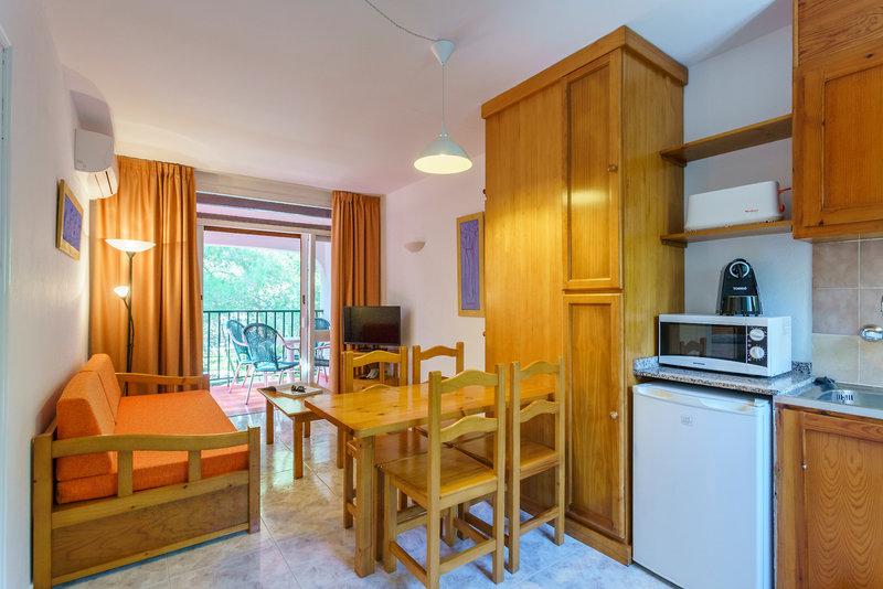Playa Parc Aparthotel in Son Parc, Menorca W