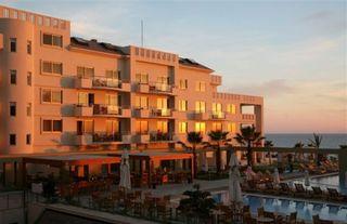 Hotel Capital Coast Resort & Spa Außenaufnahme