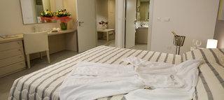 Hotel Capital Coast Resort & Spa Wohnbeispiel