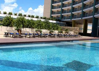 Hotel Krystal Urban Cancun Malecon Pool