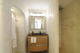 Hotel Aqua Luxury Suites Badezimmer