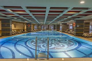 Hotel Royal Dragon Hallenbad