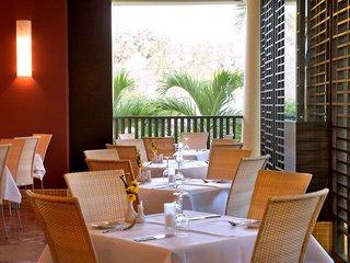 Hotel All Seasons Naiharn Phuket Restaurant