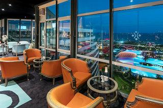 Hotel Miracle Resort Bar