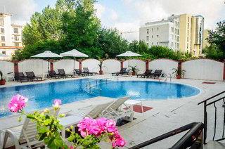 Hotel Cantilena Complex Pool