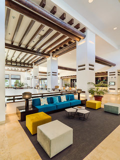 Hotel H10 Estepona Palace Lounge/Empfang