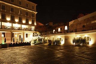 Hotel The Building Außenaufnahme