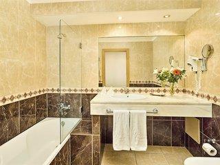 Hotel Baia Grande Badezimmer
