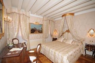 Hotel Canal Grande Wohnbeispiel