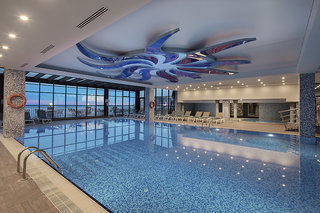 Hotel Granada Luxury Okurcalar Hallenbad
