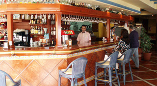 Hotel Bahia Serena Bar
