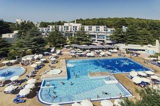 Hotel Valamar Crystal Pool