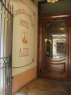 Hotel Hotel Azzi Außenaufnahme
