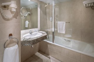 Hotel GHT Oasis Park & Spa Badezimmer