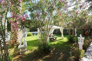 Hotel Mandraki Village Garten