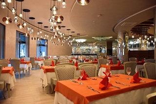 Hotel Royal Wings Restaurant