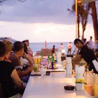 Hotel Banthai Beach Resort & Spa Bar