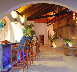 Hotel Coco de Mer Hotel & Black Parrot Suites Bar