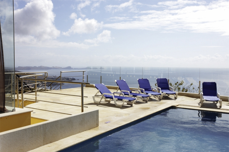 3* Appartementanlage Baia Brava auf Madeira