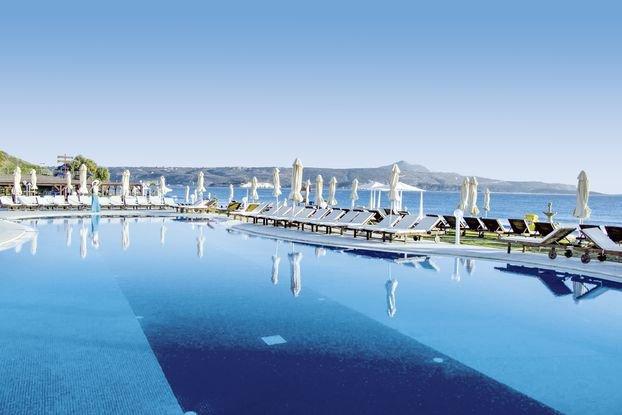 Kiani Beach Resort