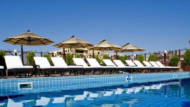 Grand Hotel Yerevan  Pool