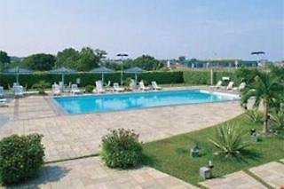 Novotel Manaus Pool