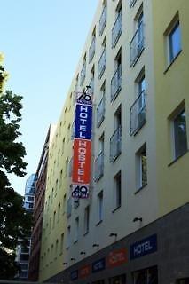 A & O Berlin HauptbahnhofAuߟenaufnahme