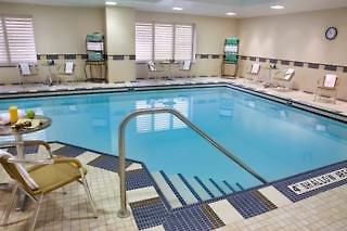 Hilton Garden Inn Toronto Downtown Pool