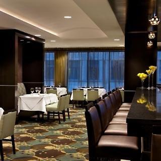 Hilton Garden Inn Toronto Downtown Restaurant
