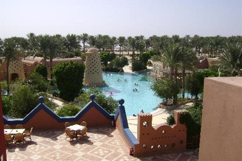 Grand Makadi Pool