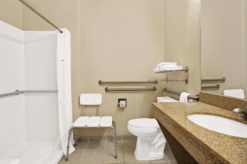 Days Inn and Suites Houston IAH Airport Badezimmer