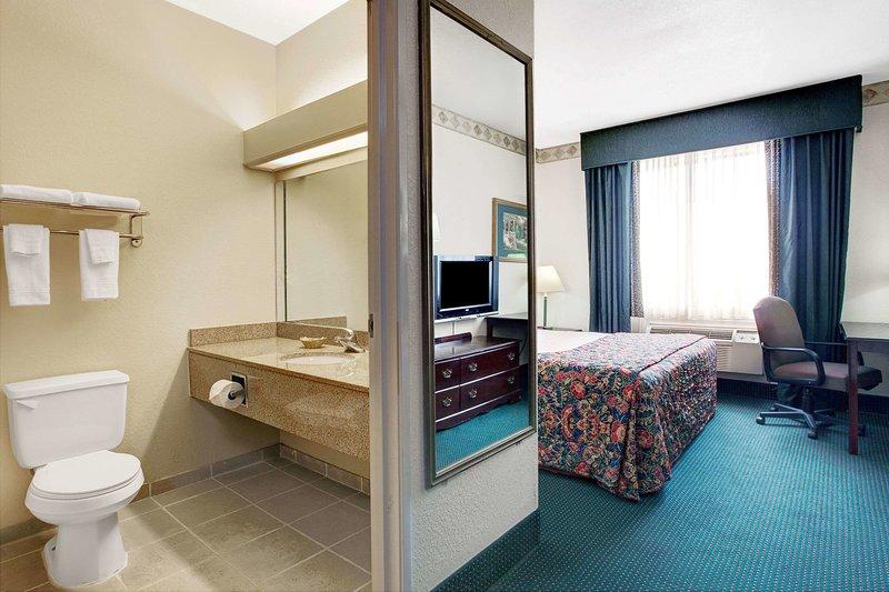 Days Inn and Suites Houston IAH Airport Wohnbeispiel