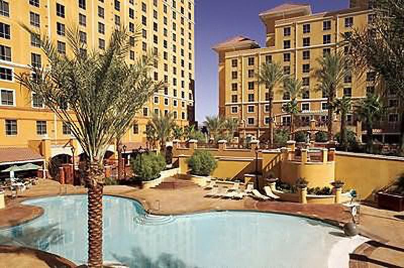 Wyndham Grand Desert Pool