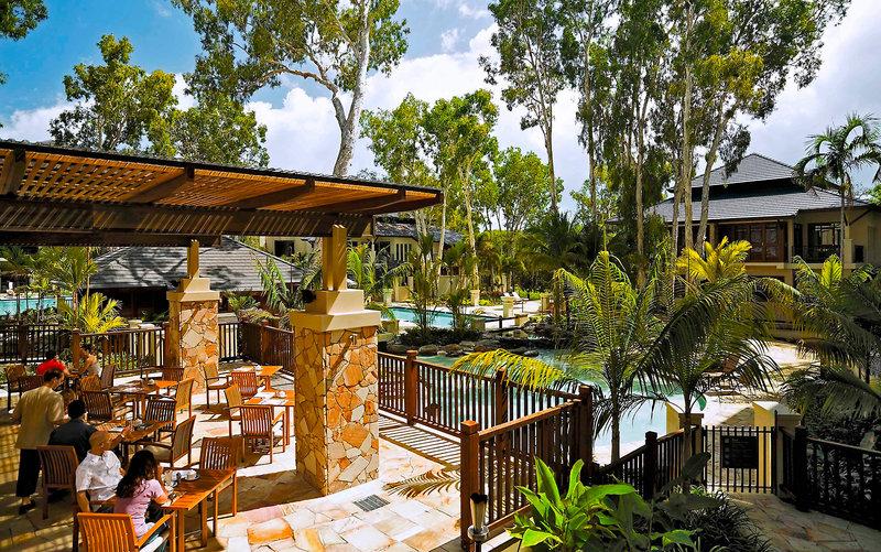 Pullman Palm Cove Sea Temple Resort & Spa Restaurant