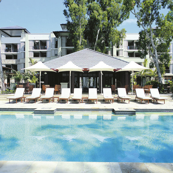 Pullman Palm Cove Sea Temple Resort & Spa Pool