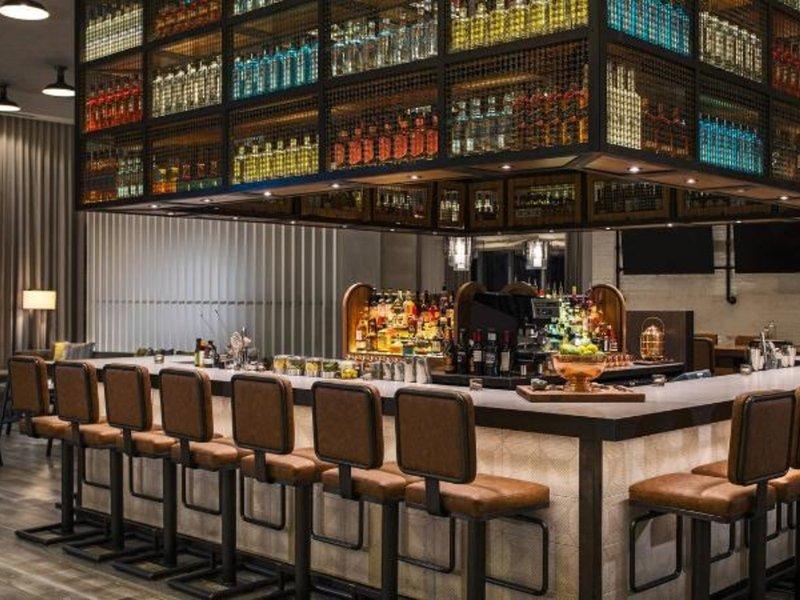 Renaissance Atlanta Airport Gateway Hotel Bar