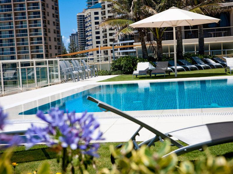 Paradise Centre Apartments Pool