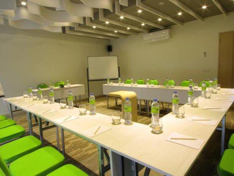 Maxonehotels@Bukit Jimbaran Konferenzraum