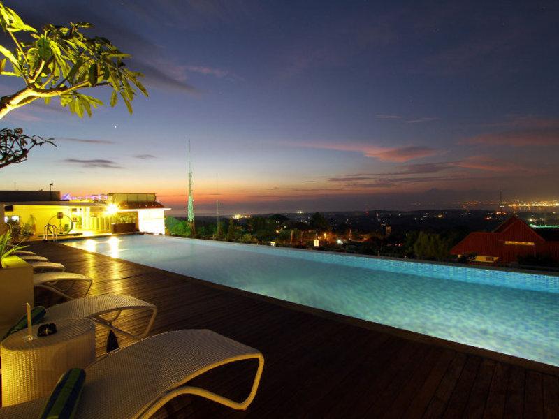 Maxonehotels@Bukit Jimbaran Pool