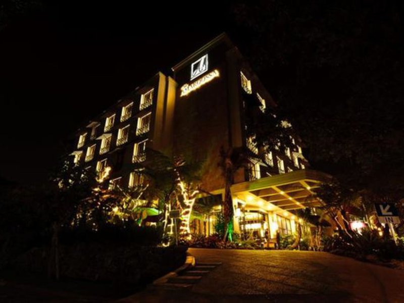 Amaroossa Hotel Bandung Außenaufnahme