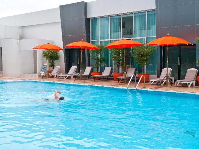 Avana Pool