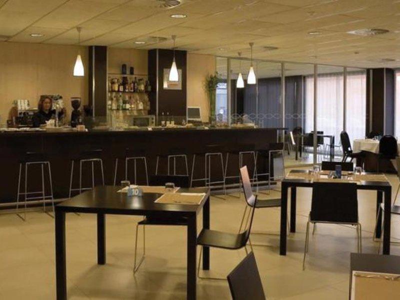 Agustinos Bar