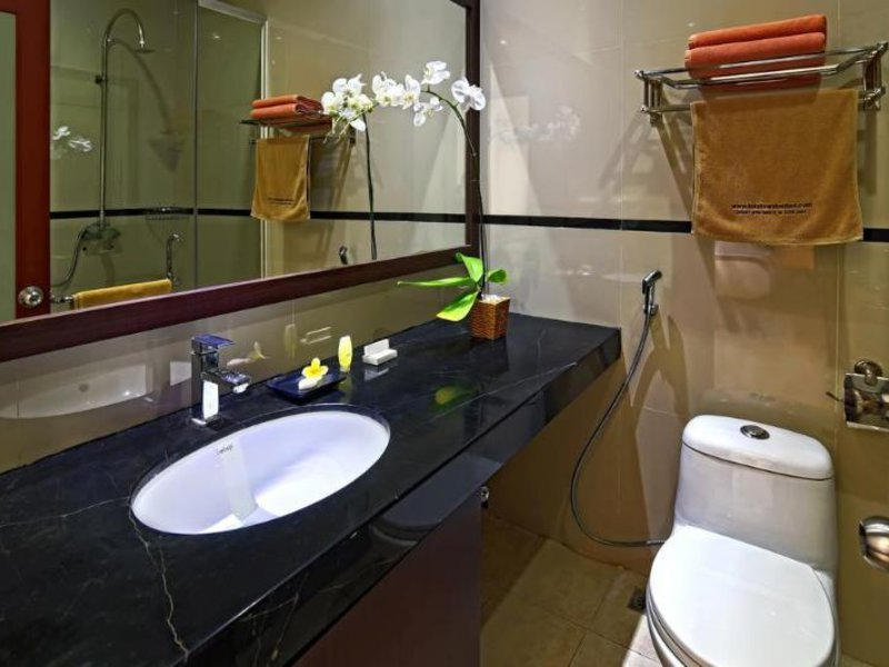 Kuta Town Houses Badezimmer