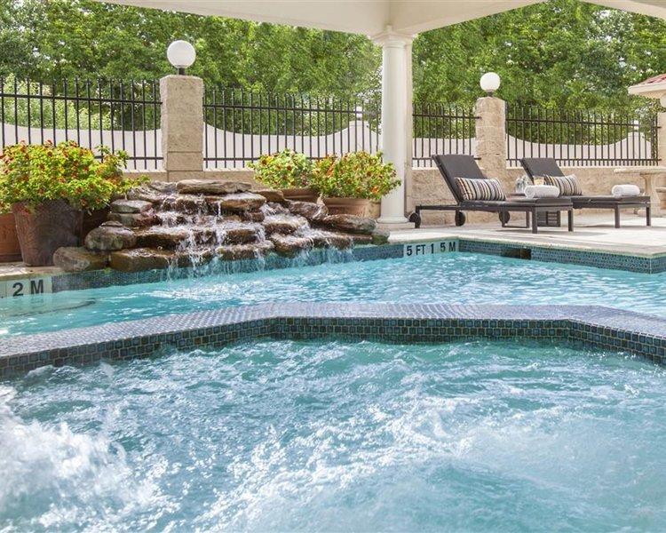 Best Western Plus Downtown Inn & Suites Houston Pool