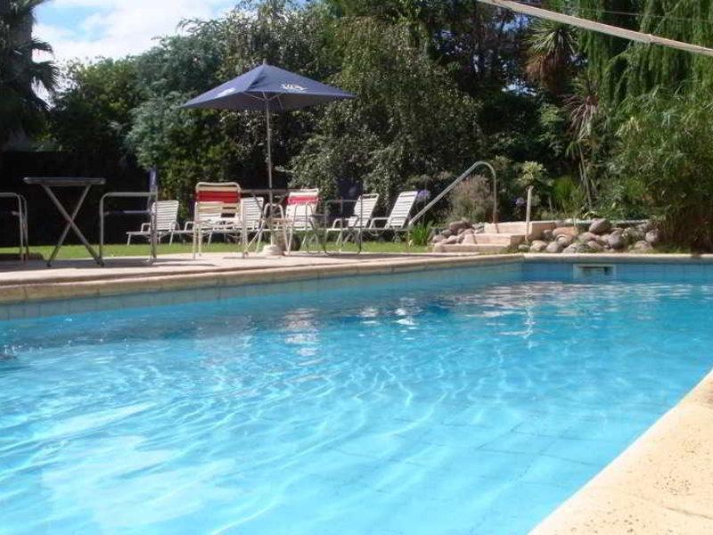 Maue Apart Hotel Pool